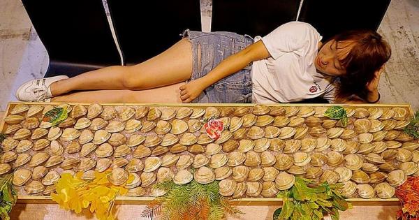 台中火鍋店94浮誇!拳頭大「牛奶貝」排起來比人高 一人300元吃好吃滿